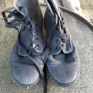 Dr. Martens Balck canvas boots ,size 7